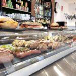 servicios-cafeteria-pirineos-1-390×260